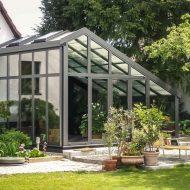 Konstruktion und Bau eines Kunststoffwintergartens durch Fa. Wikoma. Partner von: Wintergarten-Ratgeber.de